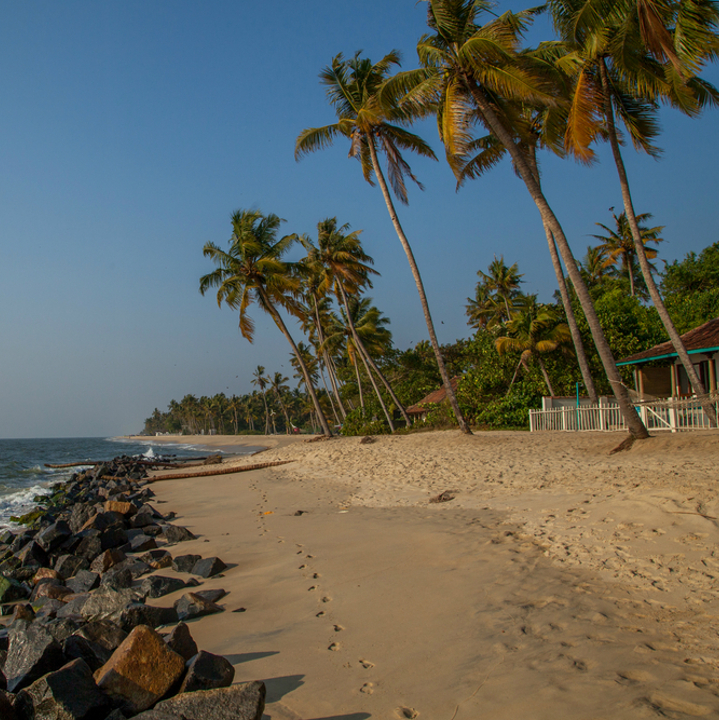 Sandy beaches in cheap Kerala